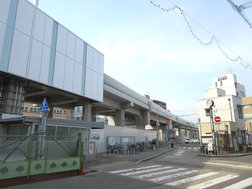 東灘区の阪神青木駅の駅舎の ...