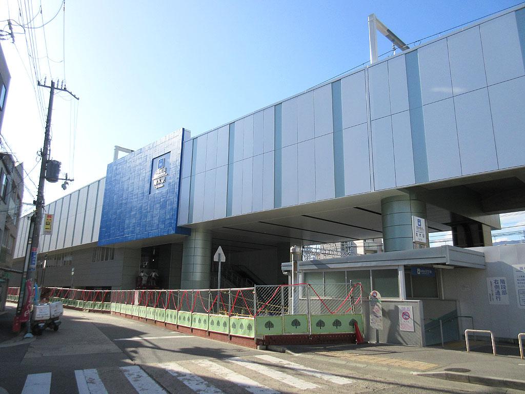 東灘区の阪神青木駅。