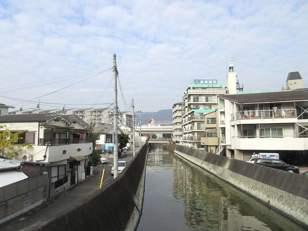 いつも通りの天井川の景色。