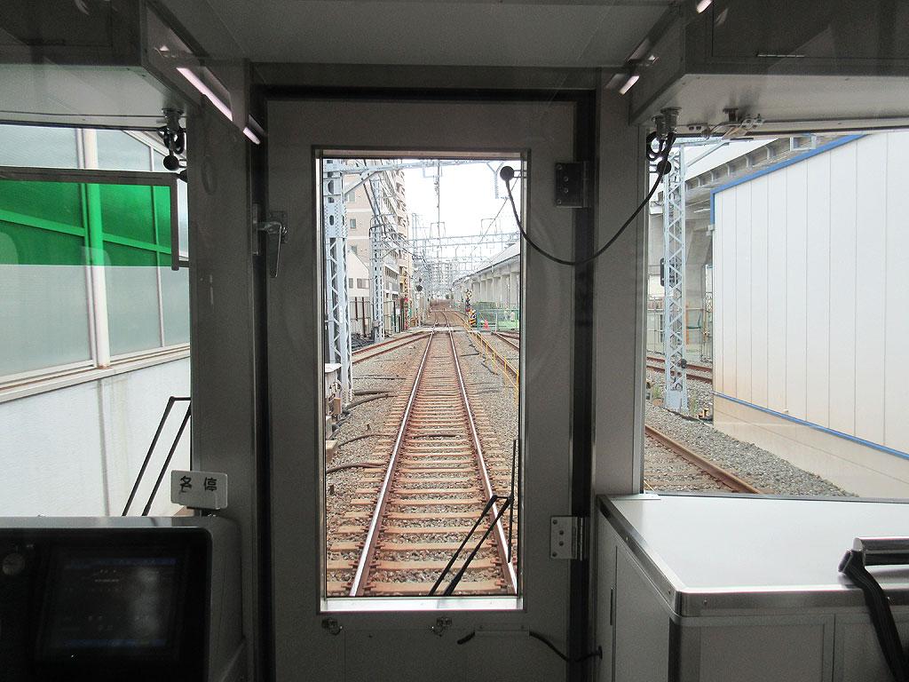 阪神電車の車窓から。